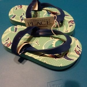 NWT Children's place small boy sandals 6/7